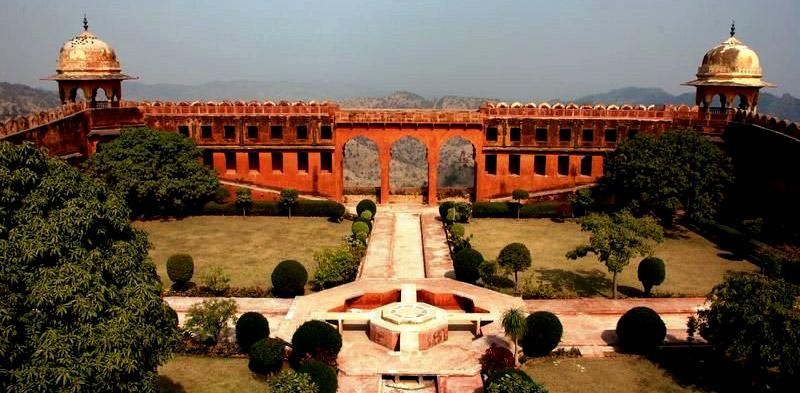 Nahargarh_Fort_jaipur_pinkcityroyals02