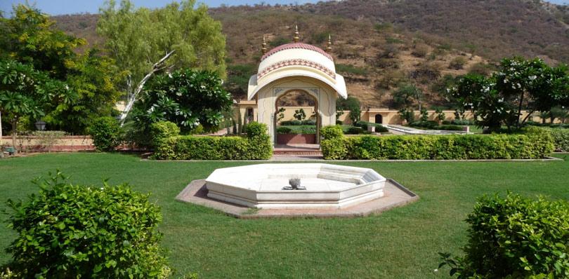 pinkcityroyals_rani-sisodiya-Bagh-2.jpg